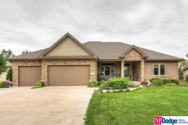 1317 S 195 Street, Omaha, NE 68130 (MLS #22115379) :: Catalyst Real Estate Group