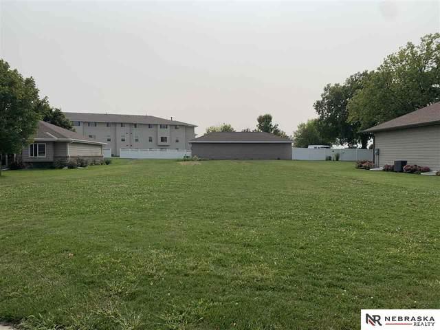 717 Nicholas Circle, York, NE 68467 (MLS #22115459) :: Capital City Realty Group