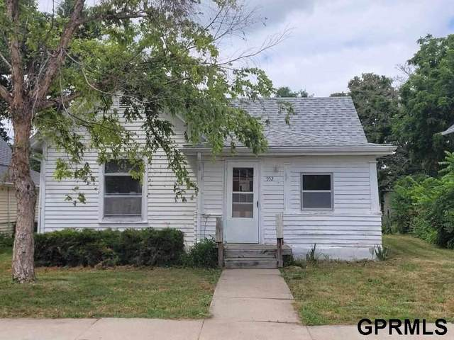 552 W 5th Street, York, NE 68467 (MLS #22115601) :: Capital City Realty Group