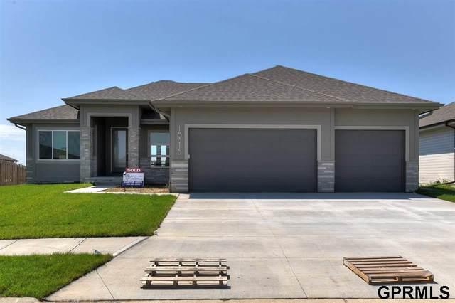 3015 Big Elk Parkway, Elkhorn, NE 68022 (MLS #22115641) :: Dodge County Realty Group