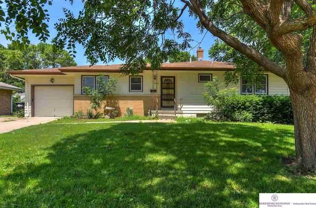 5306 B Street, Omaha, NE 68106 (MLS #22115884) :: Berkshire Hathaway Ambassador Real Estate