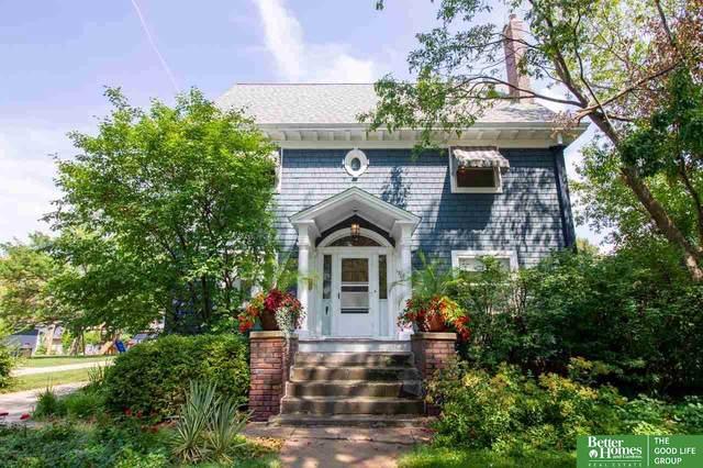 1327 S 35th Avenue, Omaha, NE 68105 (MLS #22116092) :: Lighthouse Realty Group