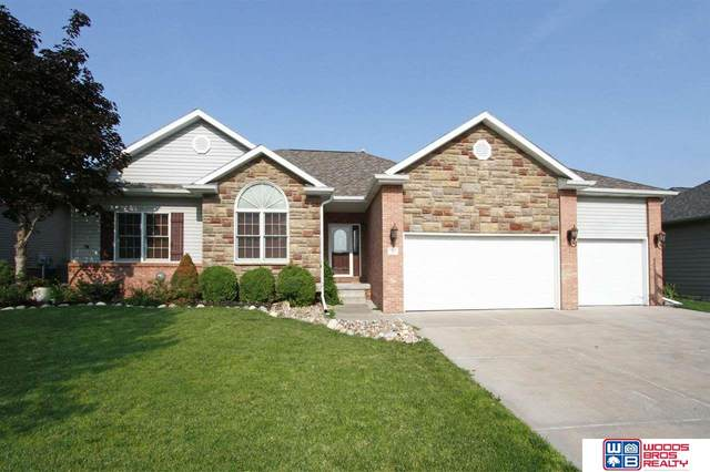 7725 Tropp Ridge Drive, Lincoln, NE 68512 (MLS #22116112) :: Capital City Realty Group