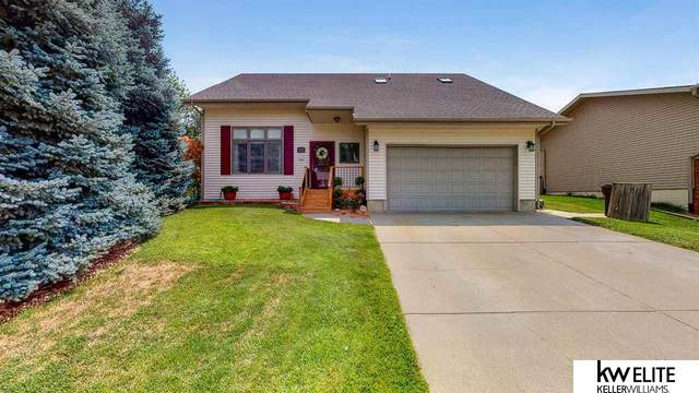 5600 NW Fairway Drive, Lincoln, NE 68521 (MLS #22116201) :: Dodge County Realty Group