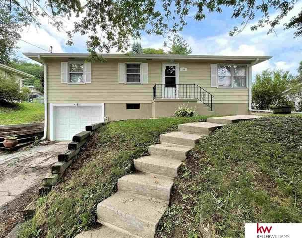 710 Lori Lane, Council Bluffs, IA 51503 (MLS #22116330) :: Berkshire Hathaway Ambassador Real Estate