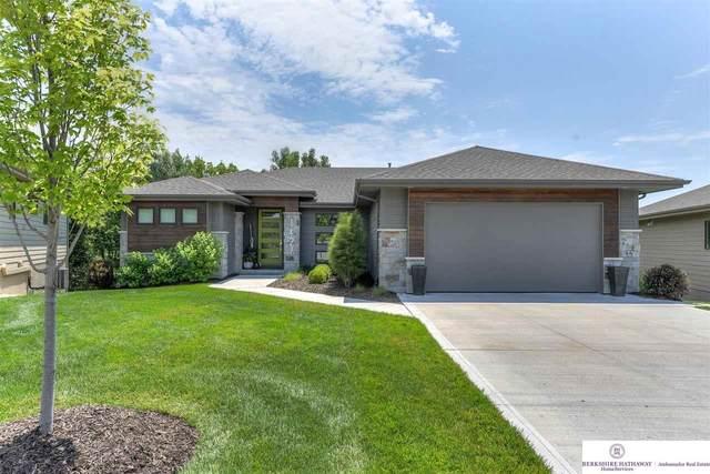 1427 S 200 Circle, Omaha, NE 68130 (MLS #22116463) :: Lincoln Select Real Estate Group