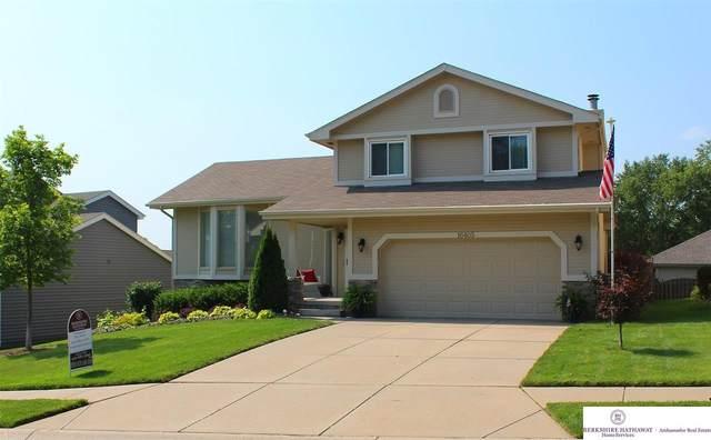 16405 Jefferson Street, Omaha, NE 68135 (MLS #22116499) :: Berkshire Hathaway Ambassador Real Estate