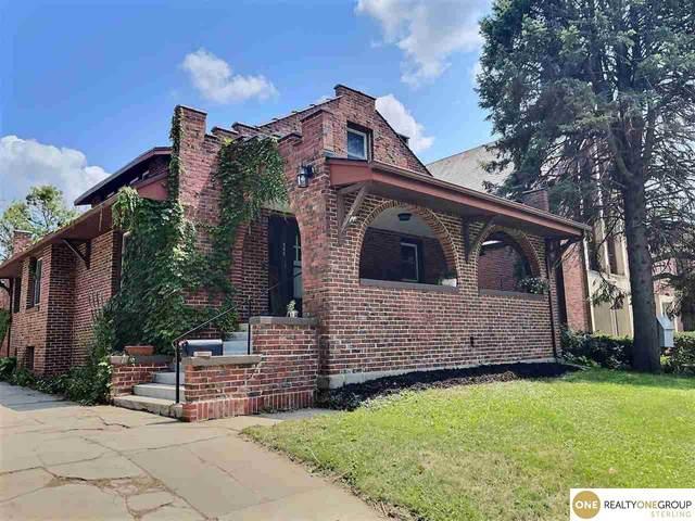 866 S 35 Street, Lincoln, NE 68510 (MLS #22116536) :: Omaha Real Estate Group