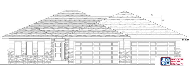 844 N 105th Street, Lincoln, NE 68527 (MLS #22116626) :: Elevation Real Estate Group at NP Dodge