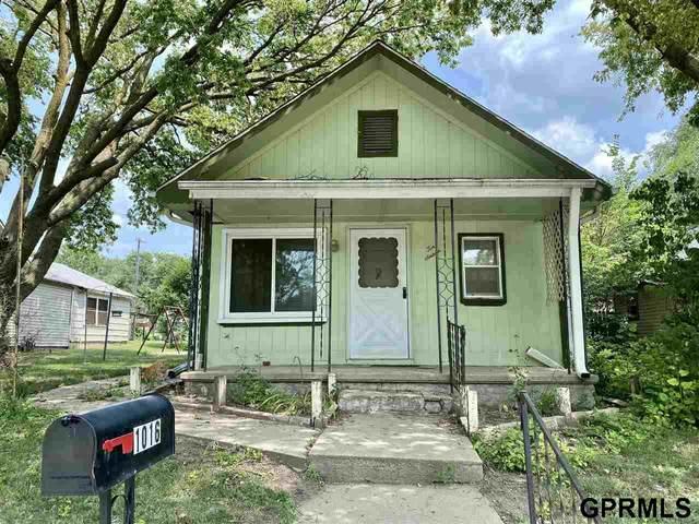 1016 Lindell Street, Fairbury, NE 68352 (MLS #22116703) :: Omaha Real Estate Group
