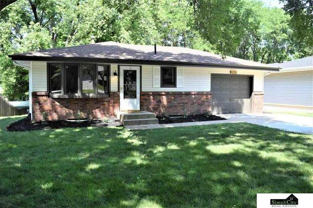 4711 S 58th Street, Lincoln, NE 68516 (MLS #22116707) :: Lincoln Select Real Estate Group