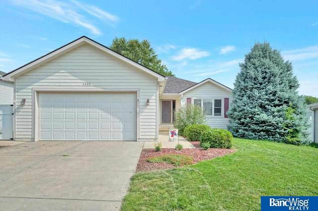 1340 Patterson Drive, Lincoln, NE 68522 (MLS #22116756) :: Lincoln Select Real Estate Group