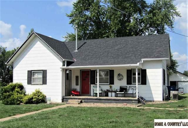 823 Maple Street, Friend, NE 68359 (MLS #22116761) :: Berkshire Hathaway Ambassador Real Estate