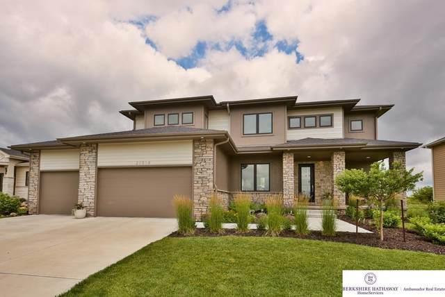 21514 Grover Street, Elkhorn, NE 68022 (MLS #22116787) :: Lincoln Select Real Estate Group