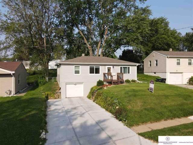 3110 S 38 Street, Omaha, NE 68105 (MLS #22116798) :: Lincoln Select Real Estate Group