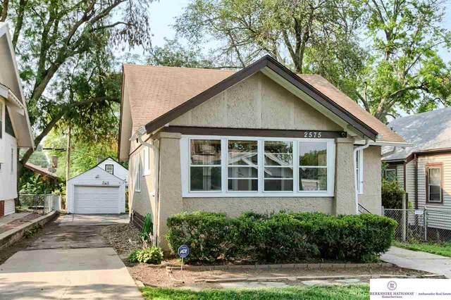 2575 Newport Avenue, Omaha, NE 68112 (MLS #22116806) :: Lincoln Select Real Estate Group