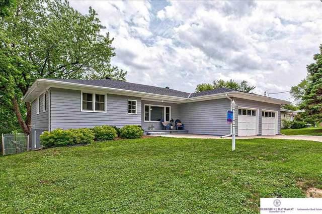 44 E Ridge Drive, Council Bluffs, IA 51503 (MLS #22116935) :: Berkshire Hathaway Ambassador Real Estate
