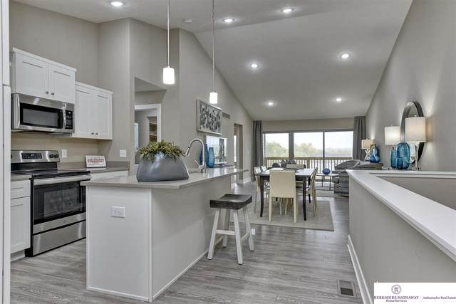 17103 Hawthorne Avenue, Omaha, NE 68118 (MLS #22116937) :: Catalyst Real Estate Group