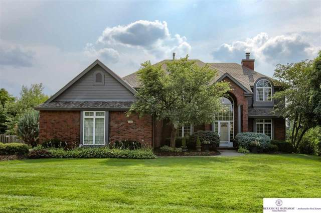 728 N 162 Street, Omaha, NE 68118 (MLS #22116961) :: Elevation Real Estate Group at NP Dodge