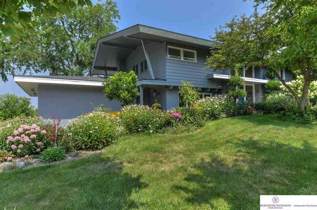 21410 Greenbrier Drive, Omaha, NE 68022 (MLS #22117044) :: Capital City Realty Group
