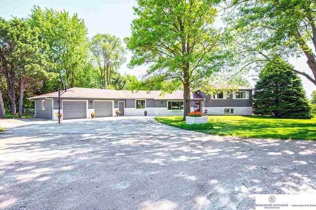 10741 Earl Avenue, Bennington, NE 68007 (MLS #22117090) :: Omaha Real Estate Group