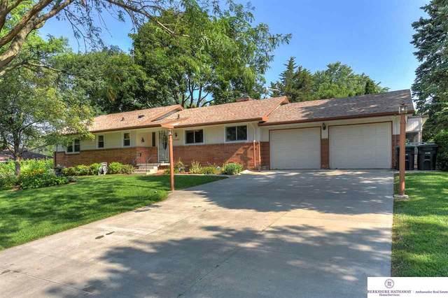 9002 Dorcas Street, Omaha, NE 68124 (MLS #22117183) :: Capital City Realty Group