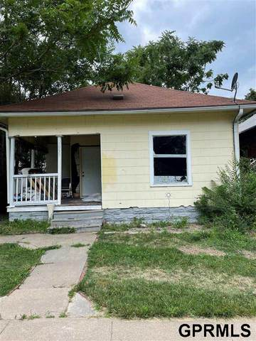 1939 S 10th Street, Lincoln, NE 68502 (MLS #22117185) :: Lincoln Select Real Estate Group