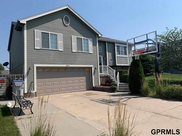20930 Oak Street, Gretna, NE 68028 (MLS #22117246) :: Omaha Real Estate Group