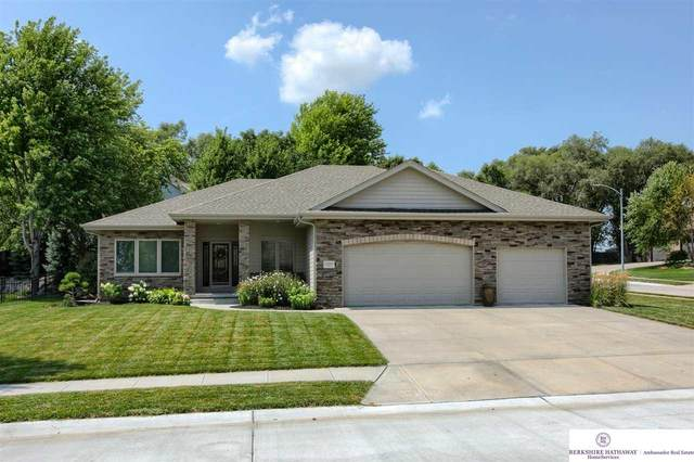 10004 S 176 Street, Omaha, NE 68136 (MLS #22117285) :: Elevation Real Estate Group at NP Dodge