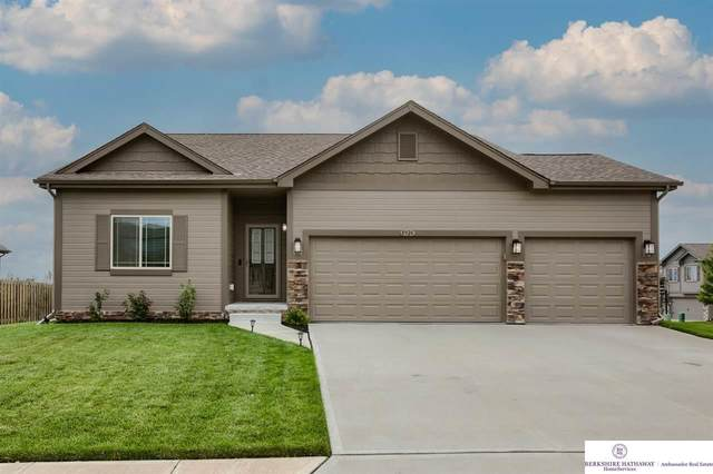 8926 N 161 Avenue, Bennington, NE 68007 (MLS #22117350) :: Catalyst Real Estate Group