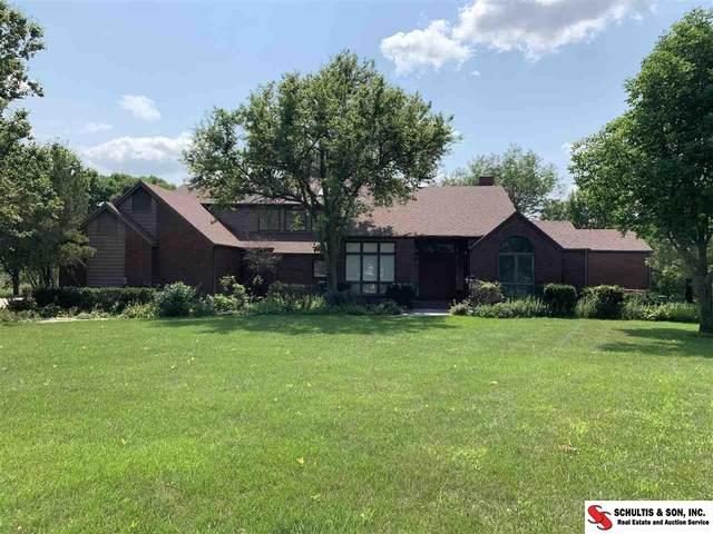 2121 H Street, Fairbury, NE 68352 (MLS #22117396) :: Omaha Real Estate Group