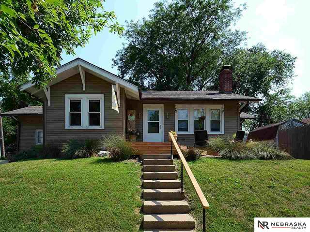 1015 Hill Street, Lincoln, NE 68502 (MLS #22117413) :: Capital City Realty Group