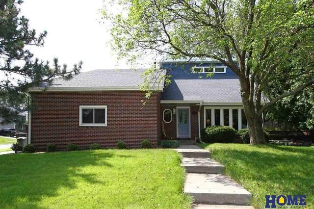 4121 Pinewood Lane, Lincoln, NE 68516 (MLS #22117420) :: Lighthouse Realty Group