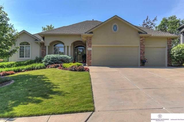 17111 S Street, Omaha, NE 68135 (MLS #22117437) :: Elevation Real Estate Group at NP Dodge