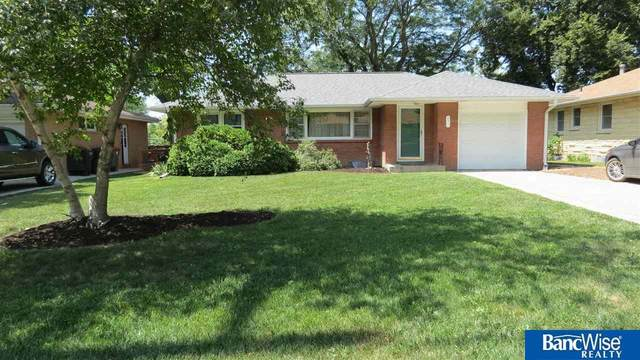431 S 56th Street, Lincoln, NE 68510 (MLS #22117497) :: Berkshire Hathaway Ambassador Real Estate