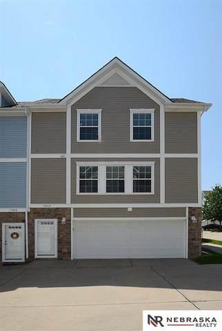 14667 Taylor Plaza, Omaha, NE 68116 (MLS #22117532) :: Capital City Realty Group