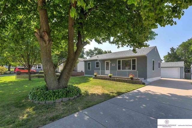 6837 Mayberry Street, Omaha, NE 68106 (MLS #22117586) :: Lighthouse Realty Group