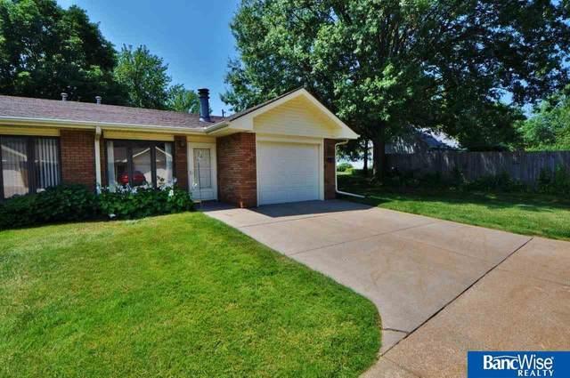 5901 Pine Ridge Road #5, Lincoln, NE 68505 (MLS #22117587) :: Don Peterson & Associates