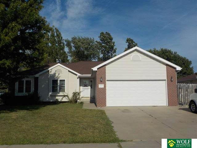10720 N 136Th Street, Waverly, NE 68462 (MLS #22117628) :: Lincoln Select Real Estate Group