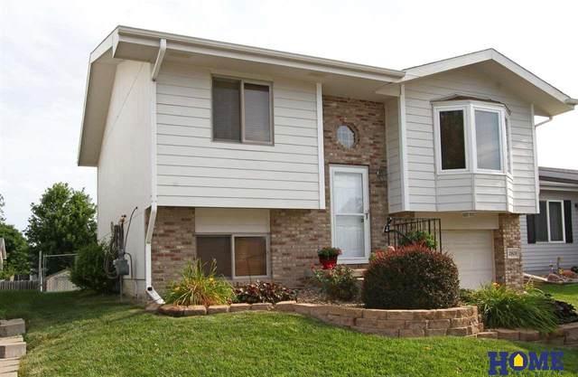 2608 W Sumner Street, Lincoln, NE 68522 (MLS #22117712) :: Elevation Real Estate Group at NP Dodge