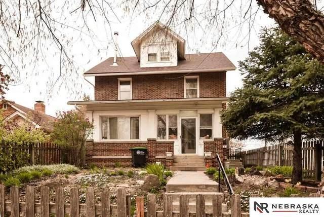 3114 S 32nd Avenue, Omaha, NE 68105 (MLS #22117743) :: Elevation Real Estate Group at NP Dodge