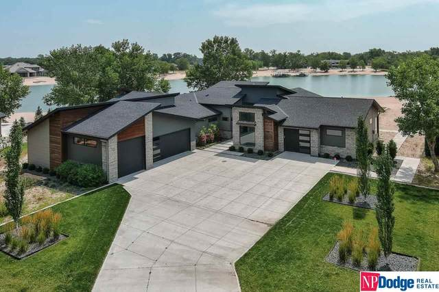 588 Sandy Pointe Lane, Ashland, NE 68003 (MLS #22117748) :: Elevation Real Estate Group at NP Dodge