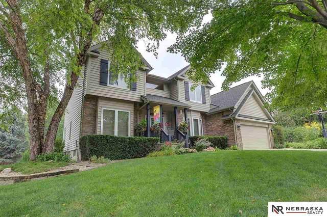 704 S 159th Avenue, Omaha, NE 68118 (MLS #22117824) :: Berkshire Hathaway Ambassador Real Estate