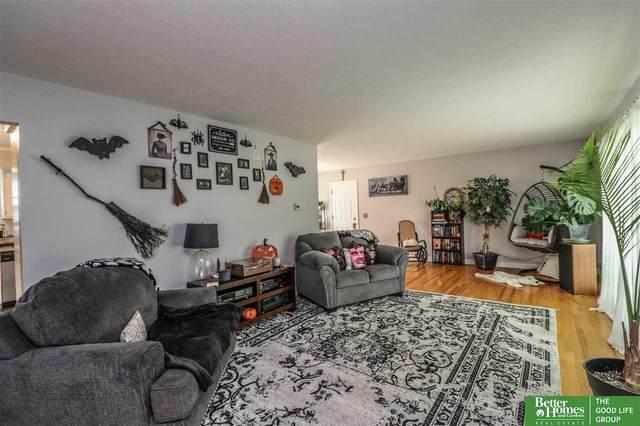 8112 N 37th Street, Omaha, NE 68112 (MLS #22117826) :: Catalyst Real Estate Group