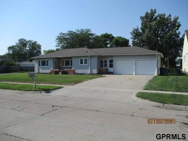 1602 E 5th Street, Fremont, NE 68025 (MLS #22117829) :: Berkshire Hathaway Ambassador Real Estate