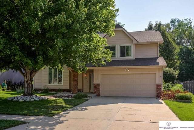 735 N 155 Avenue, Omaha, NE 68154 (MLS #22117832) :: Elevation Real Estate Group at NP Dodge