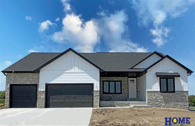 8910 Ranch Gate Road, Lincoln, NE 68520 (MLS #22117842) :: Lincoln Select Real Estate Group
