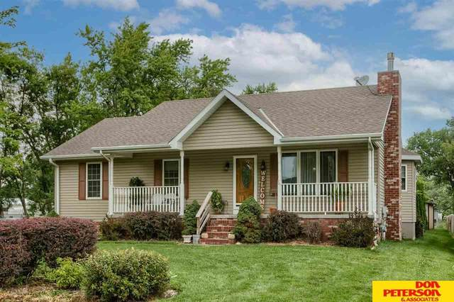 620 Ridgeland Avenue, Fremont, NE 68025 (MLS #22117848) :: Berkshire Hathaway Ambassador Real Estate