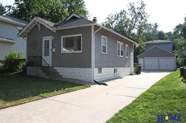 884 S 45th Street, Lincoln, NE 68510 (MLS #22117861) :: Elevation Real Estate Group at NP Dodge