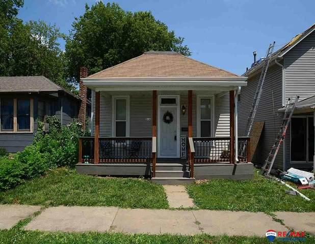 936 Washington Street, Lincoln, NE 68502 (MLS #22117867) :: Complete Real Estate Group